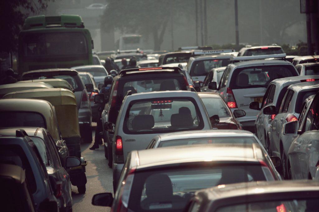 Voitures dans un embouteillage