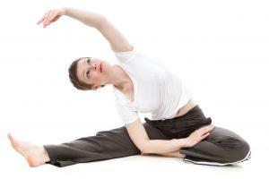 5 exercices d'étirement des abdos