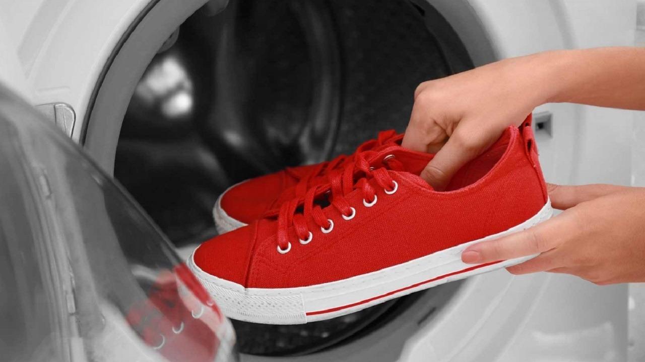 Laver les baskets