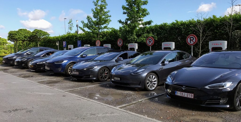 Rechargement voiture Tesla